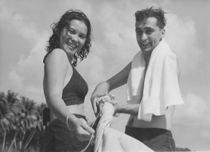 Asia Joe and unknown woman on the beach, late 1940s